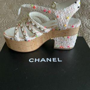 NWT Chanel cork tweed platform sandal gold chain